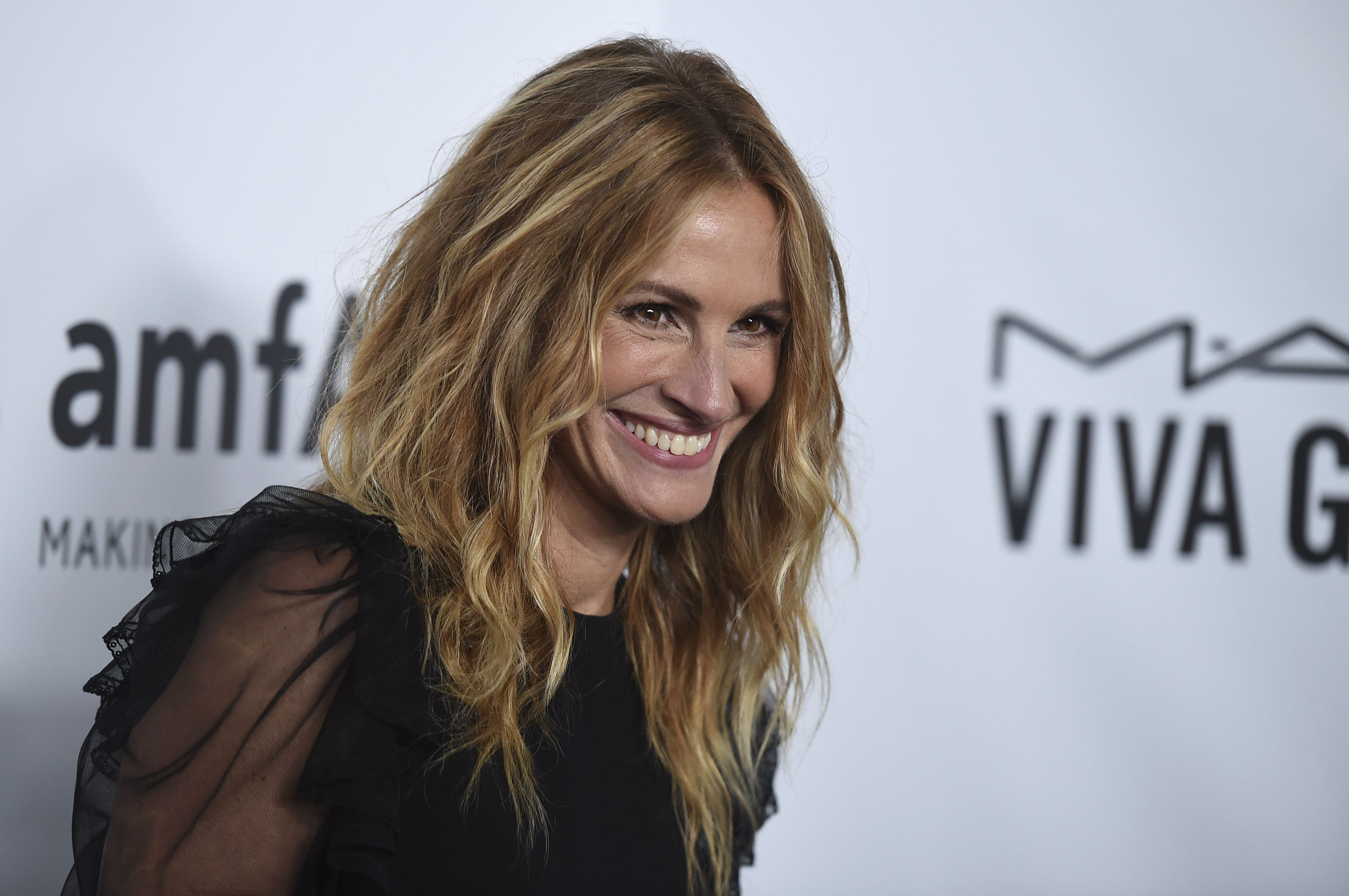 Julia Roberts attends the 2017 amfAR Inspiration Gala Los Angeles, in Beverly Hills, Calif2017 amfAR Inspiration Gala Los Angeles, Beverly Hills, USA - 13 Oct 2017