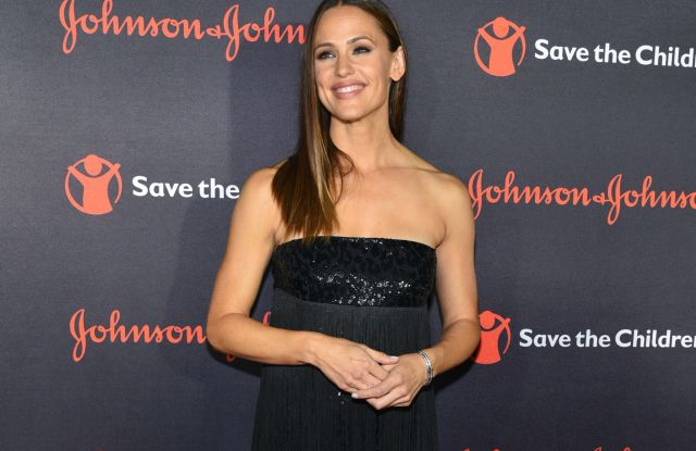 Jennifer Garner5th Annual 'Save the Children Illumination' gala, New York, USA - 18 Oct 2017WEARING MICHAEL KORS SAME OUTFIT AS KENDALL JENNER ON THE CATWALK *8377133e
