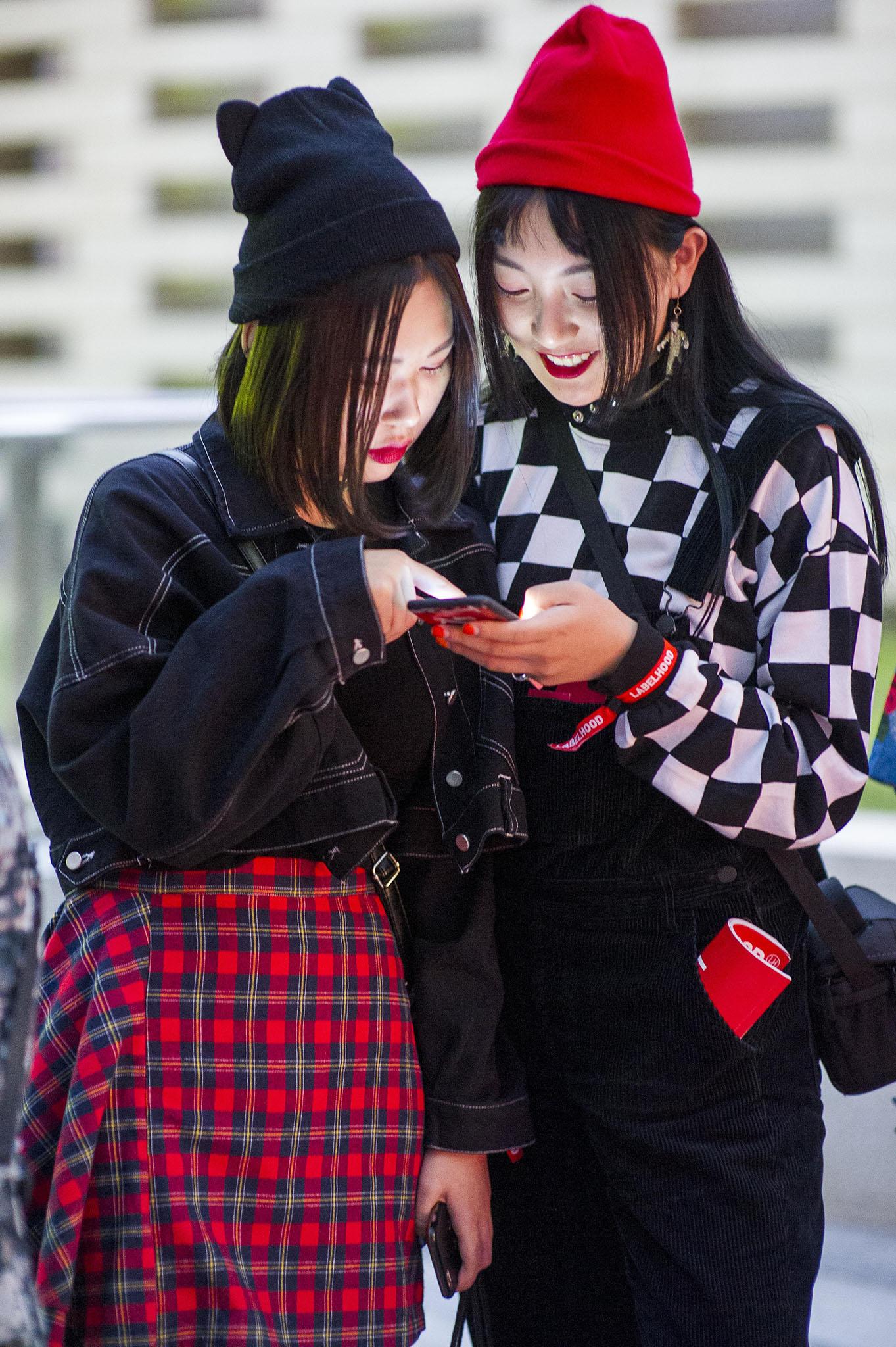 Street style at Shanghai Fashion Week.