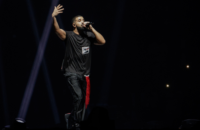 AUCKLAND, NEW ZEALAND - NOVEMBER 03: Drake performs at at Spark Arena on November 3, 2017 in Auckland, New Zealand. (Photo by Dave Simpson/WireImage)