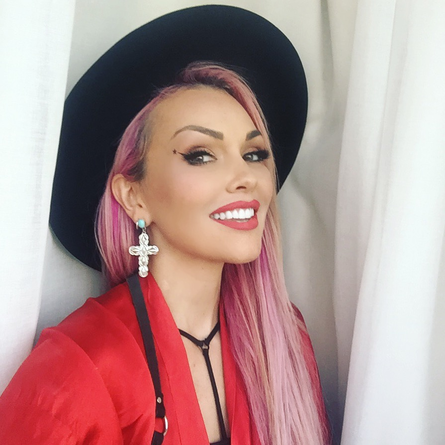 Kandee Johnson will host the American Influencer Awards