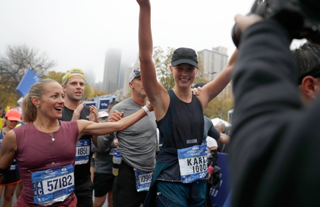 Karlie Kloss at the 2017 TCS New York City Marathon.