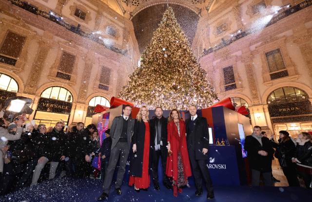 Milan's assessor for culture Filippo Del Corno; Chiara Ferragni; Fiona Swaroski; Swarovski's Michele Molon and Massimo La Greca.