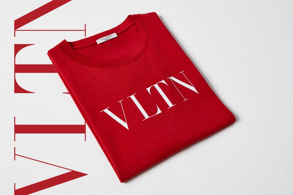 The exclusive VLTN men's red T-shirt