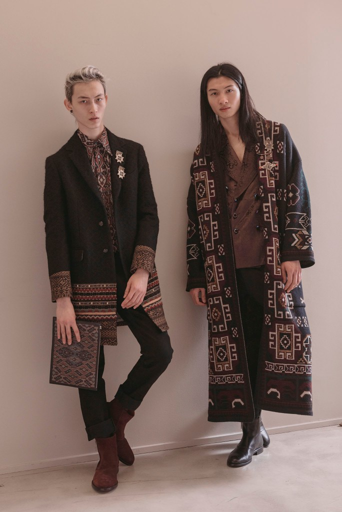 Looks from Etro Fall 2018 .