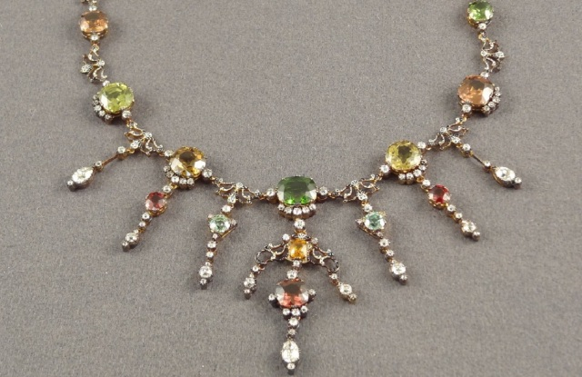 A Victorian necklace sold by James Robinson