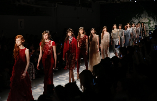 Looks from Jenny Packham's Fall 2017 runway show