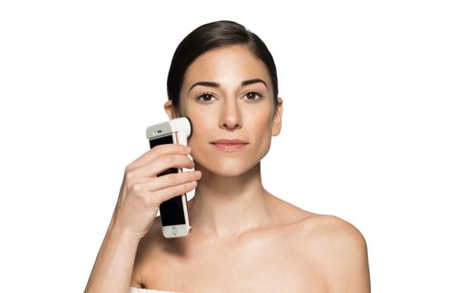 Neutrogena SkinScanner Skin360