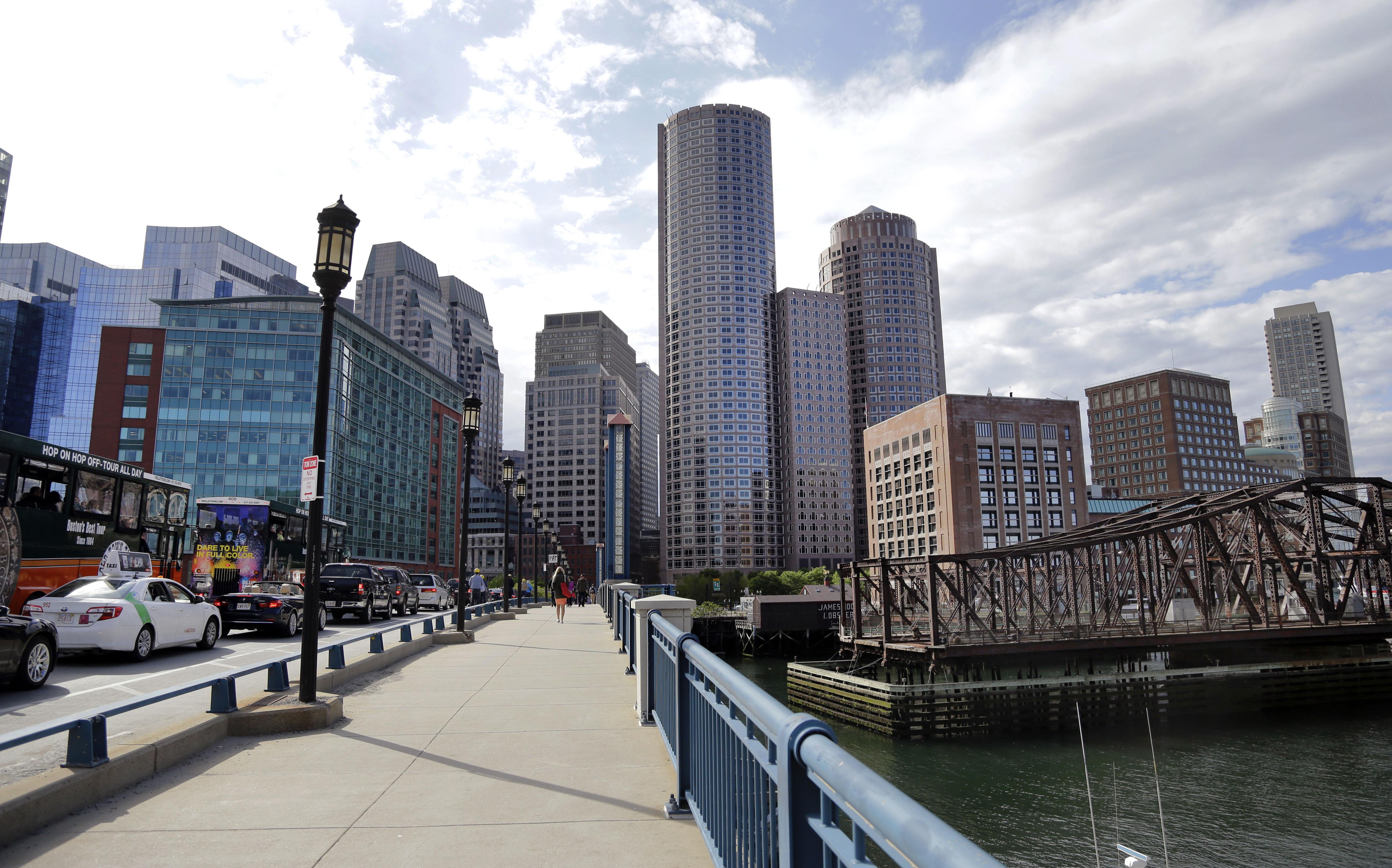 A view of downtown Boston from the Evelyn Moakley Bridge, in BostonBoston Skyline, Boston, USA