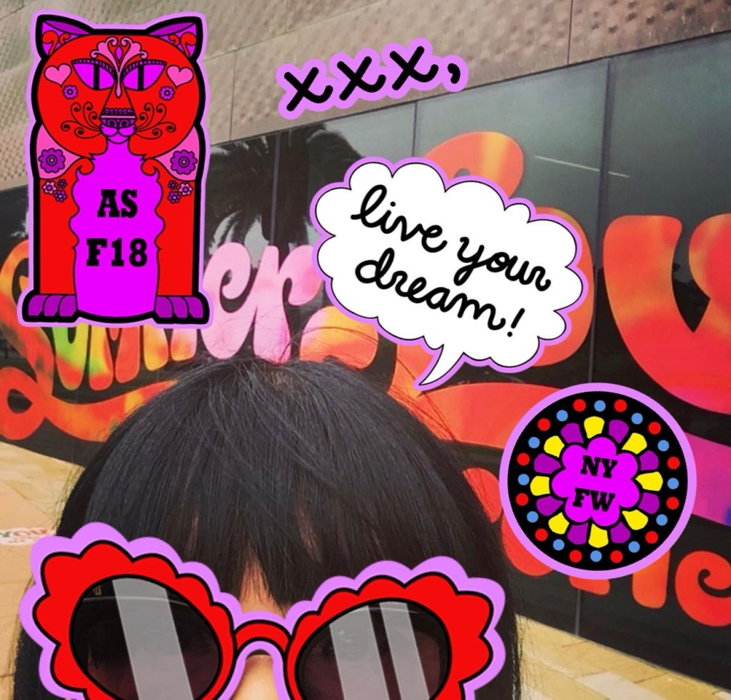 anna sui nyfw snapchat stickers