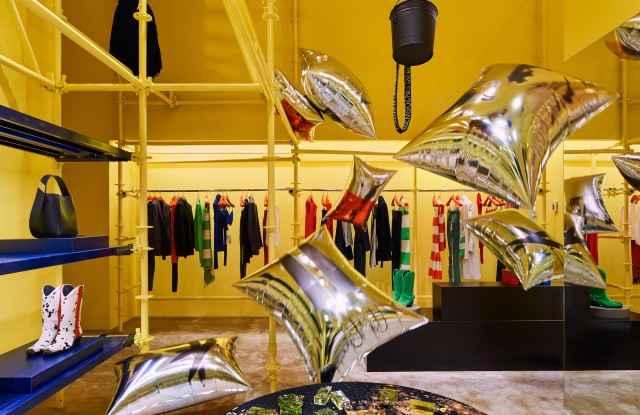 The Calvin Klein Madison Avenue flagship is filled with over 600 balloons.