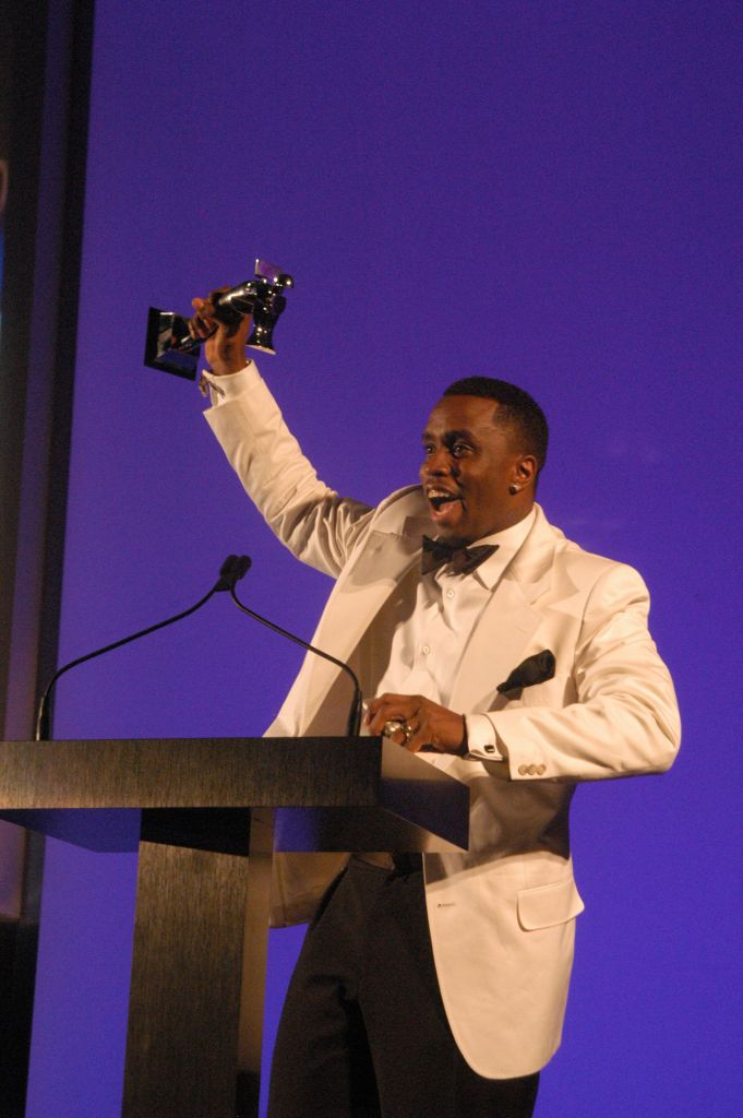 Combs takes home the CFDA menÕs wear designer of the year award.