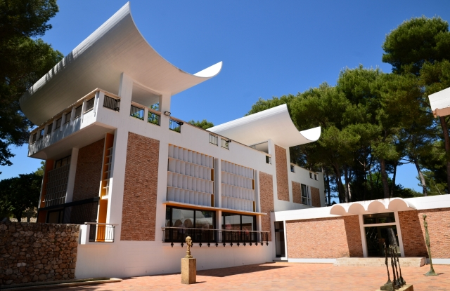 The Foundation Maeght in Saint-Paul de Vence will be the location of Louis Vuitton's cruise show.