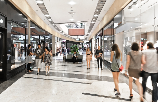 Deloitte study says price-based and high-end retailers are doing well.