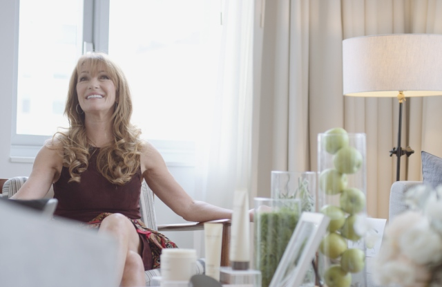 Jane Seymour talks crepey skin.