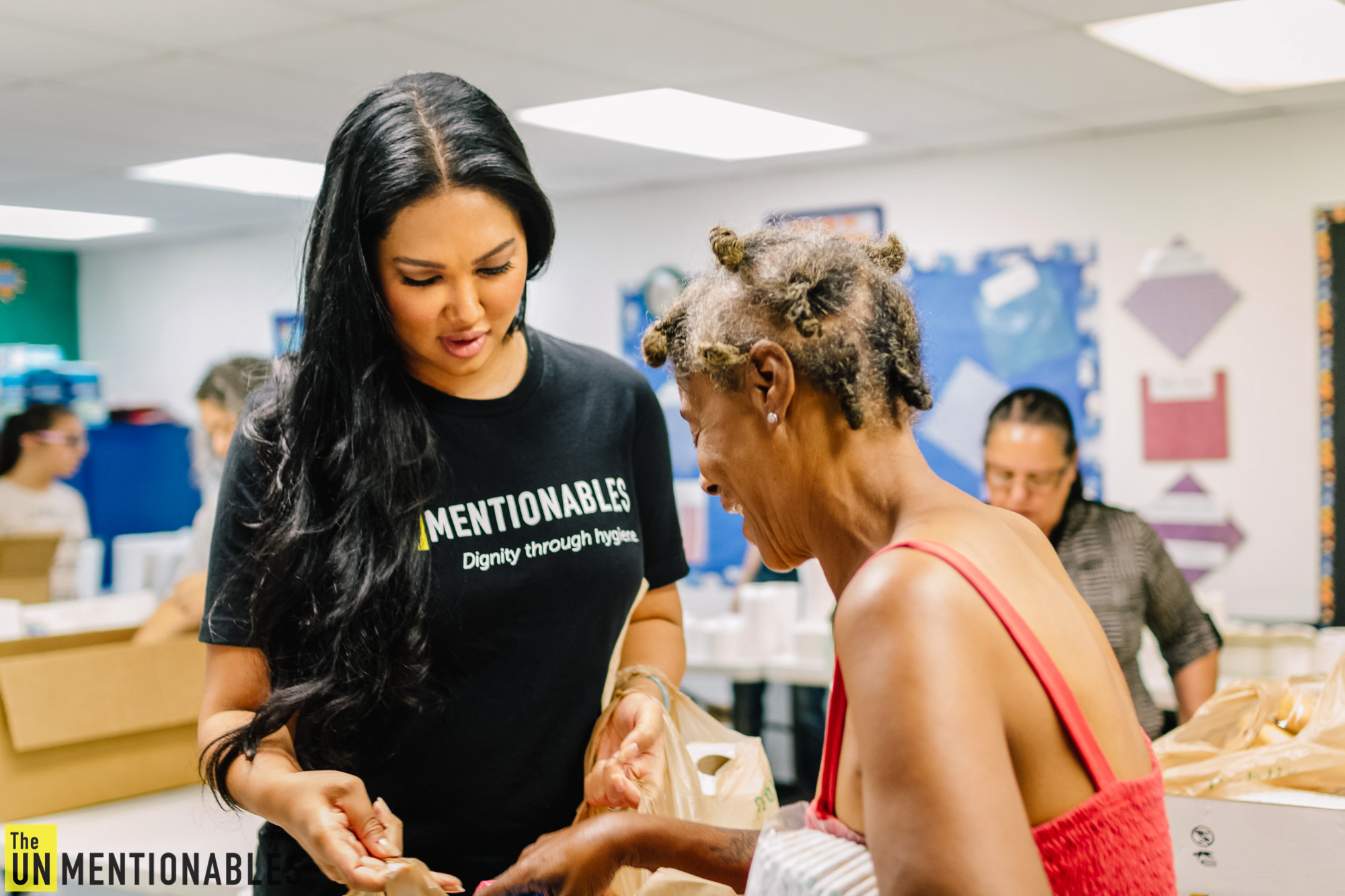 Kimora Lee Simmons helping out for the nonprofit The Unmentionables.