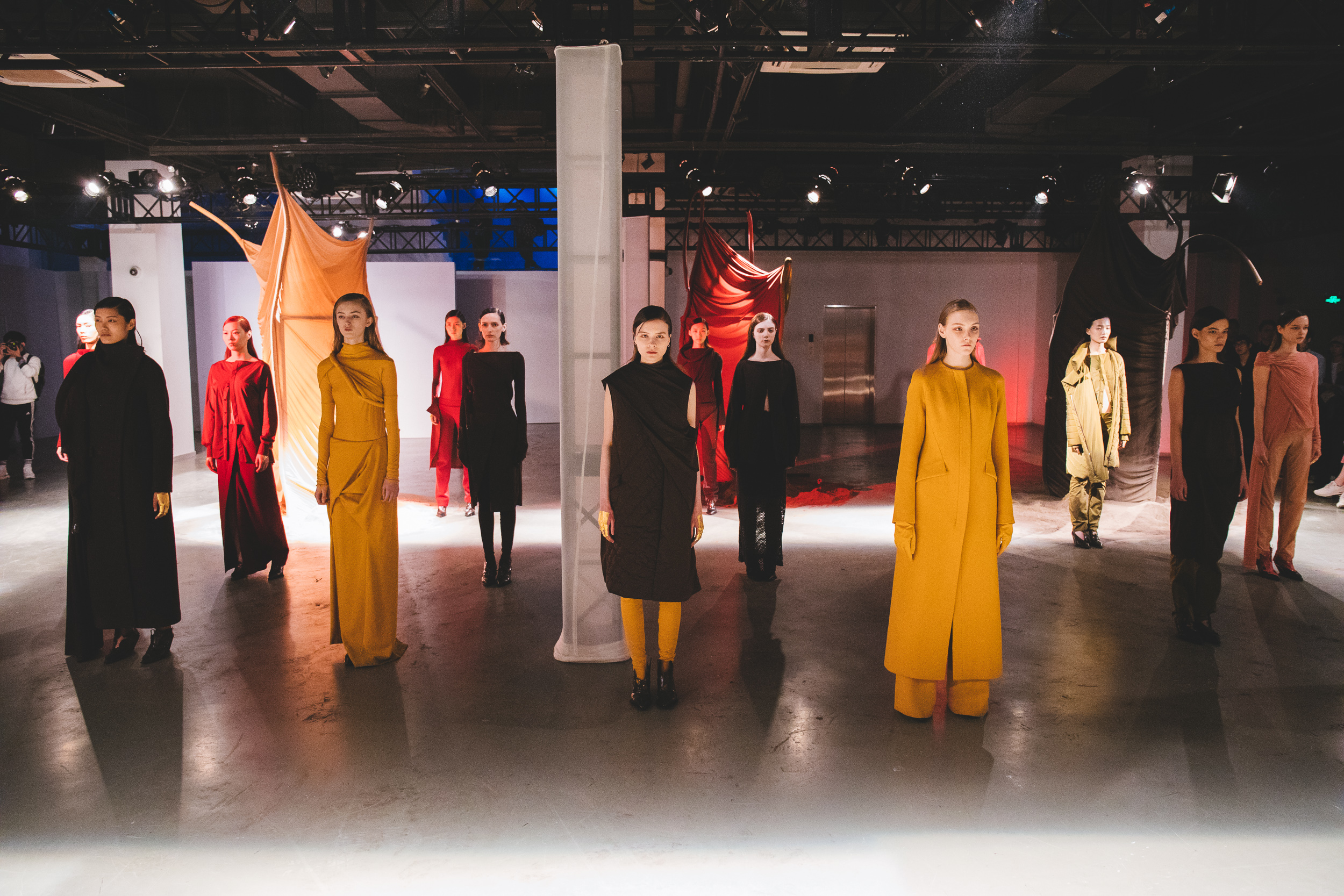 The presentation of newcomer Oude Waag's Fall 2018 collection at Shanghai Fashion Week.