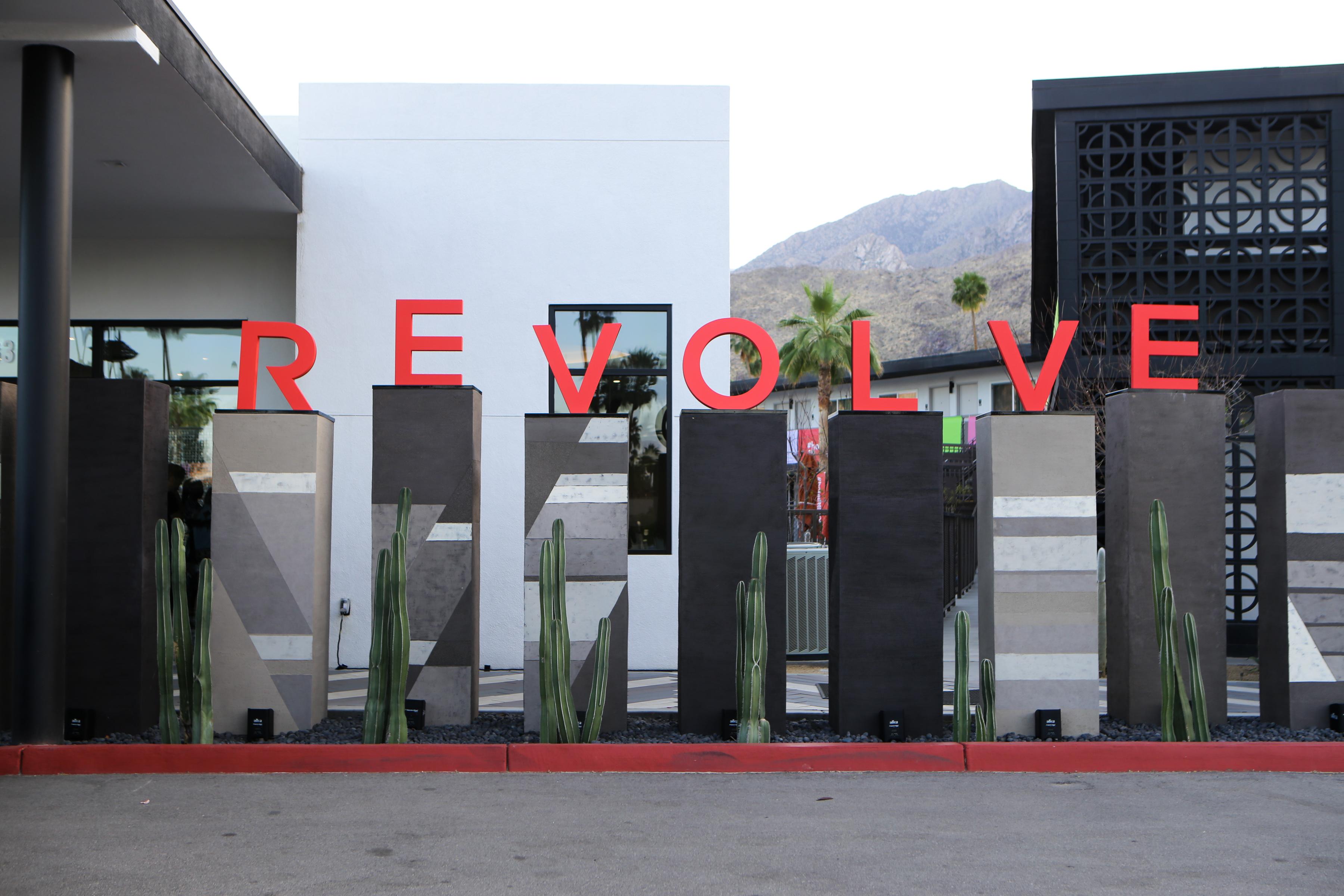 #hotelRevolve