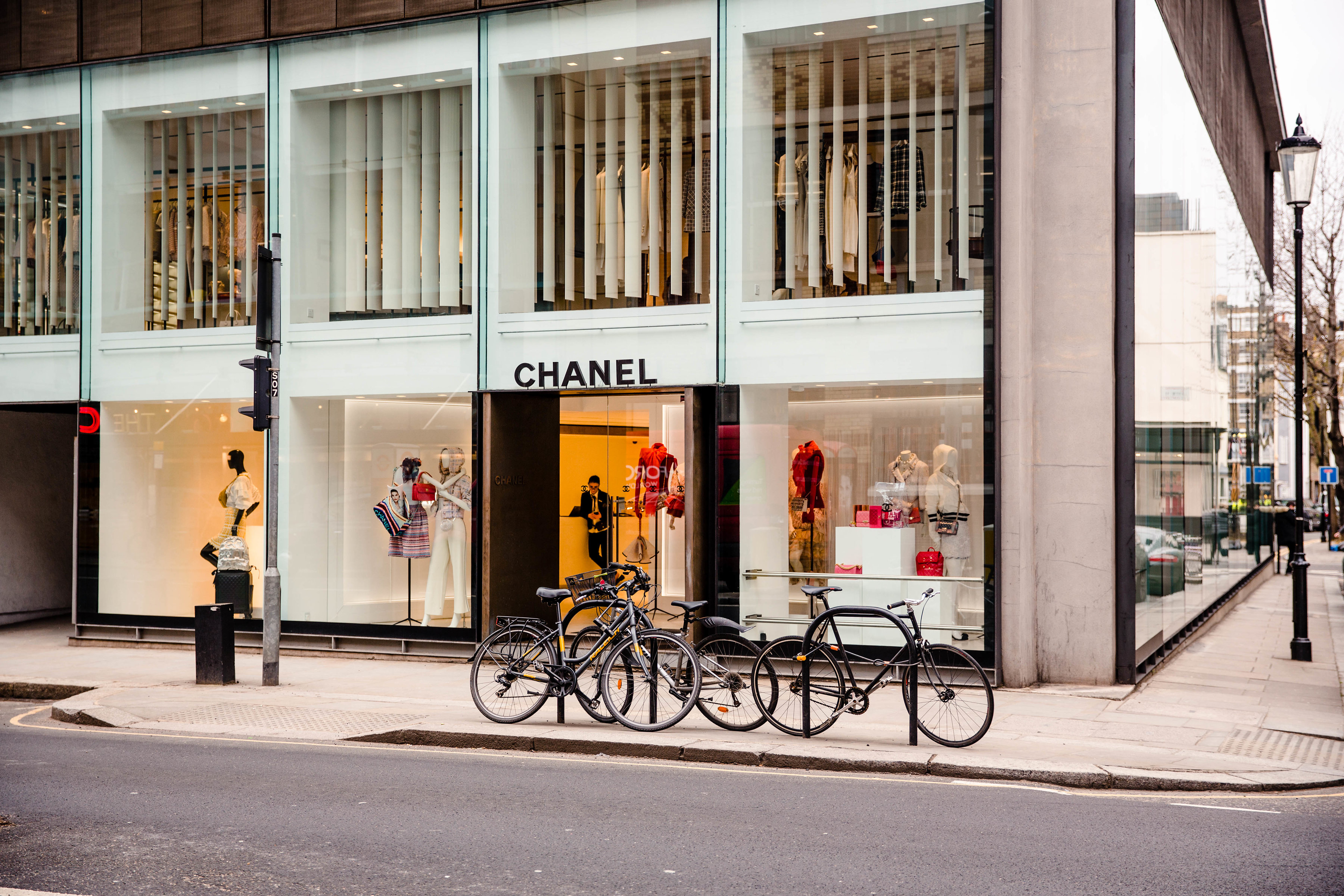 The temporary Chanel store