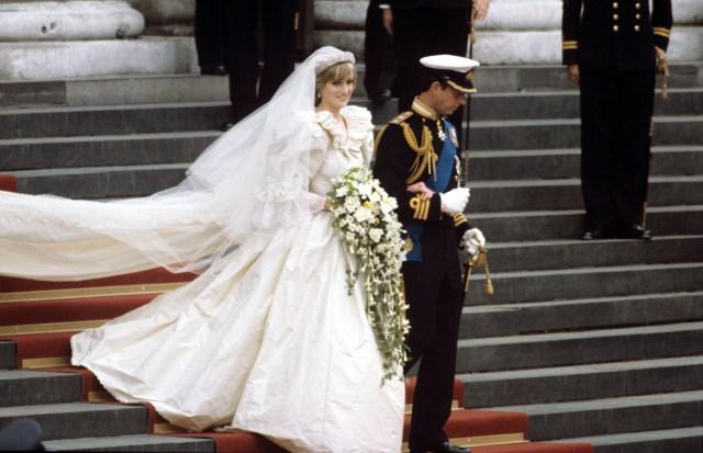 Forum Royal Bride Gown Costume