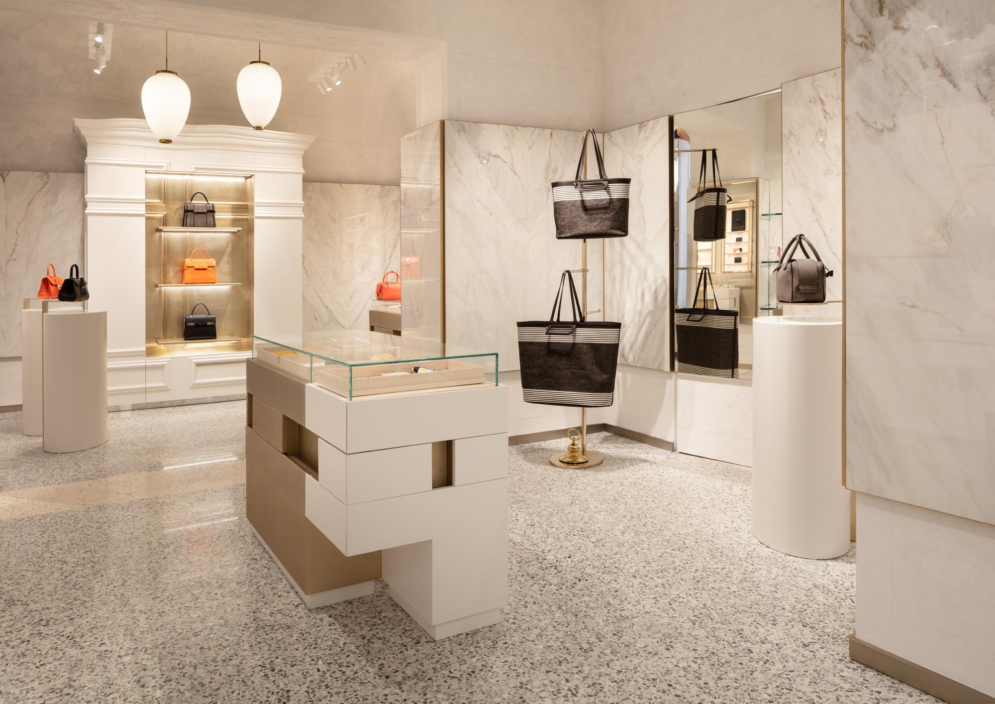 Delvaux flagship in Milan Delvaux - Milano Boutique