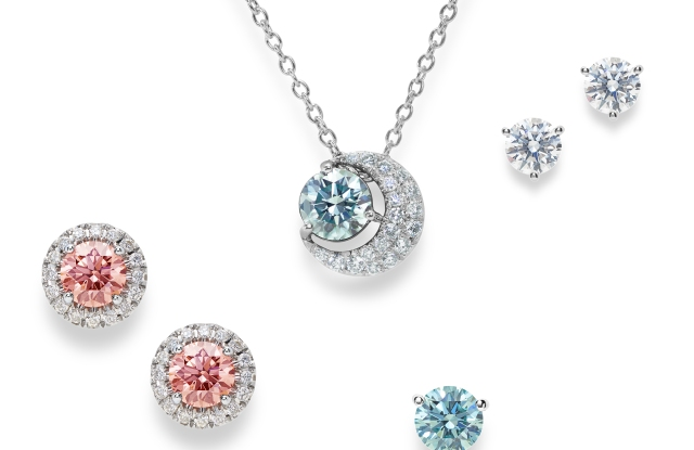 Lightbox Jewelry by De Beers sells lab-grown diamonds.
