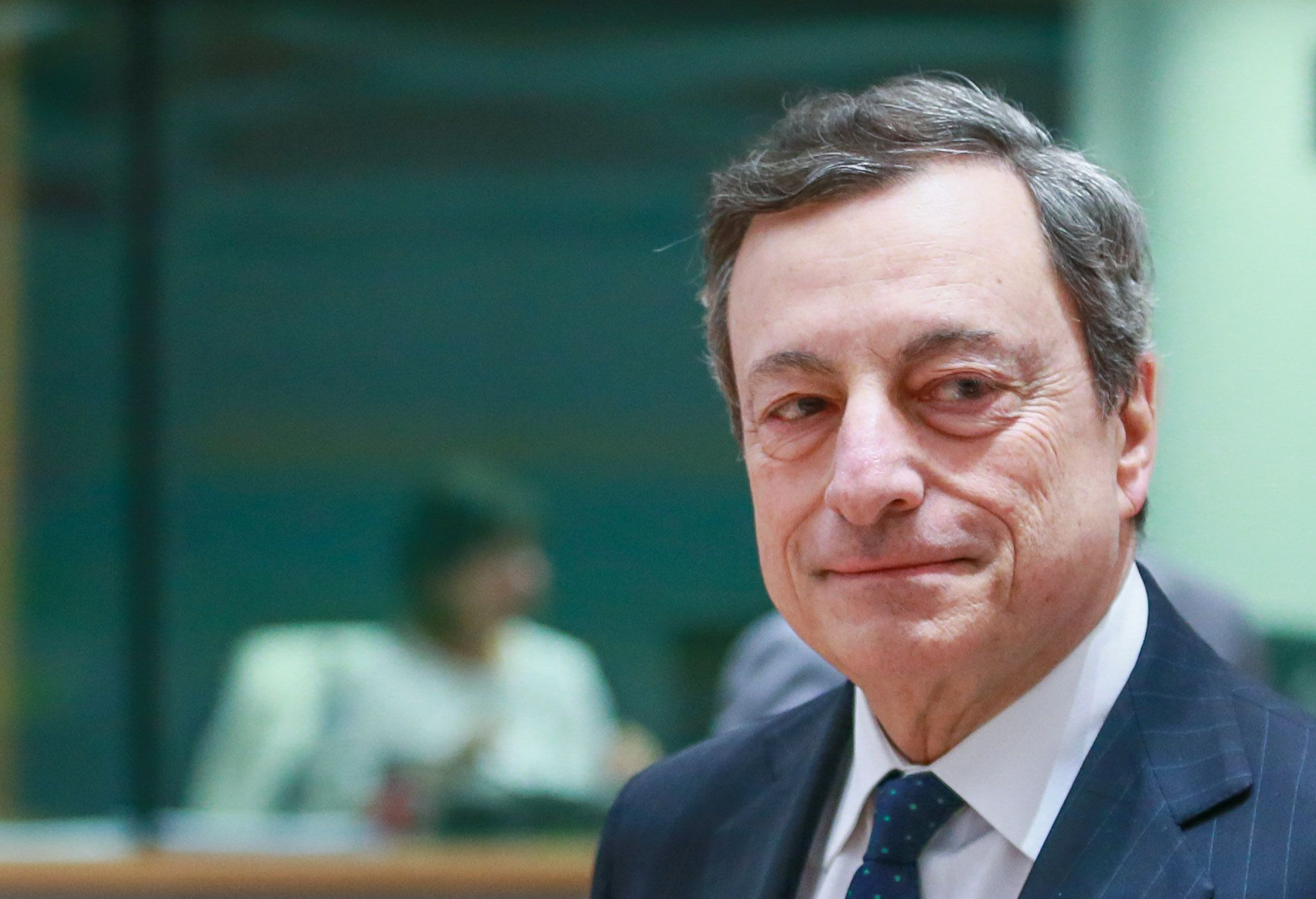 Mario DraghiEurogroup Finance Ministers meeting in Brussels, Belgium - 24 May 2018 European Central Bank (ECB) President Mario Draghi (R) waits for the start of an Eurogroup Finance Ministers' meeting at the European Council in Brussels, Belgium, 24 May 2018.