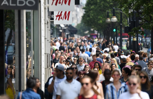 Shoppers walk along Oxford Street in London, Britain, 26 May 2018. The UK has economy has reported its worst quarterly GDP figures since 2013, official figures have shown. Growth has fallen to just 0.1 per cent.UK economy worst quarterly GDP figures for five years, London, United Kingdom - 26 May 2018