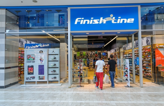 A Finish Line storefront.