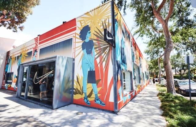 Competencia transferir triple  Nike Flexes in L.A., Debuts First Nike Live Concept – WWD
