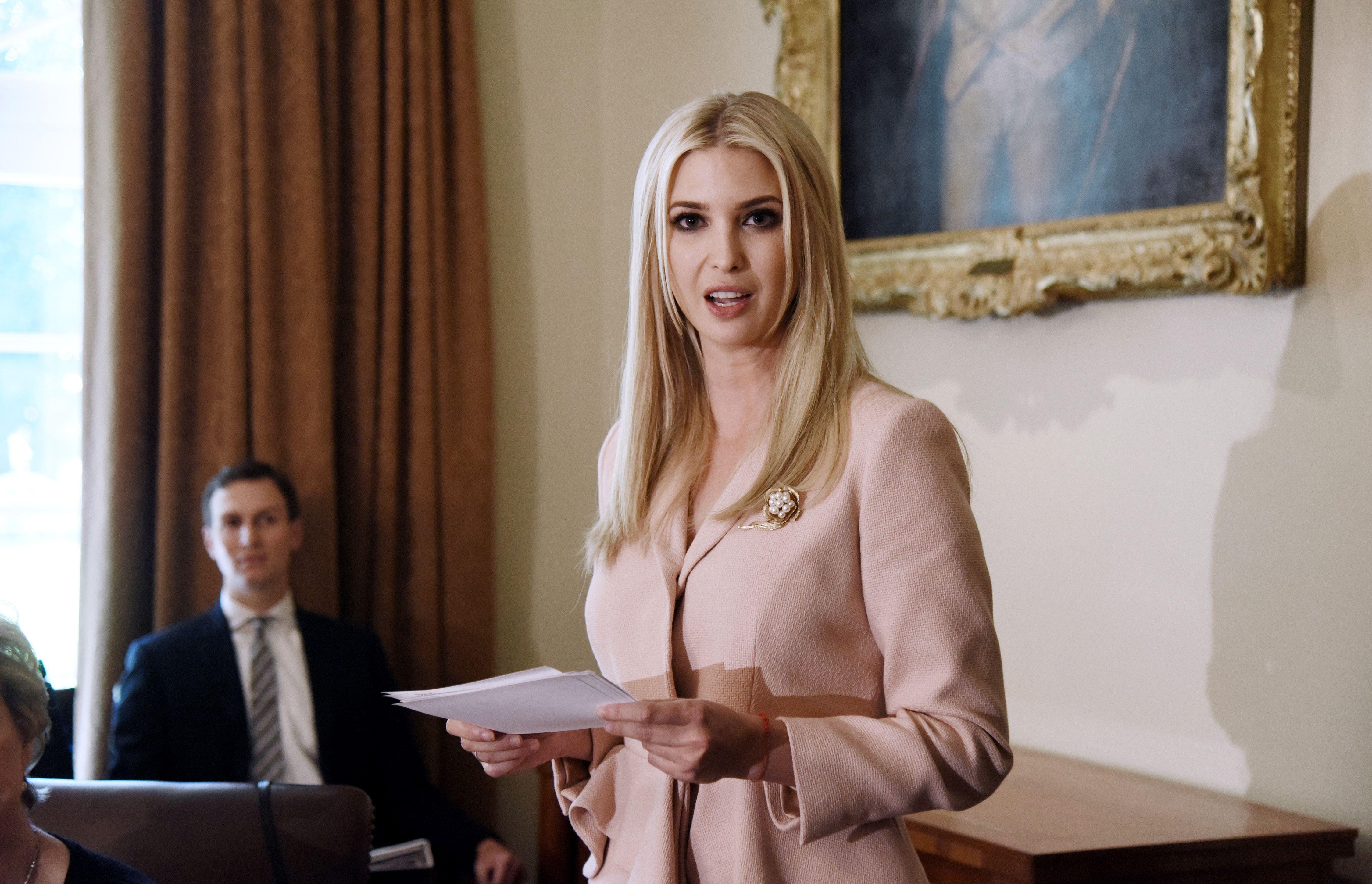 Ivanka Trump closes fashion business clothing label