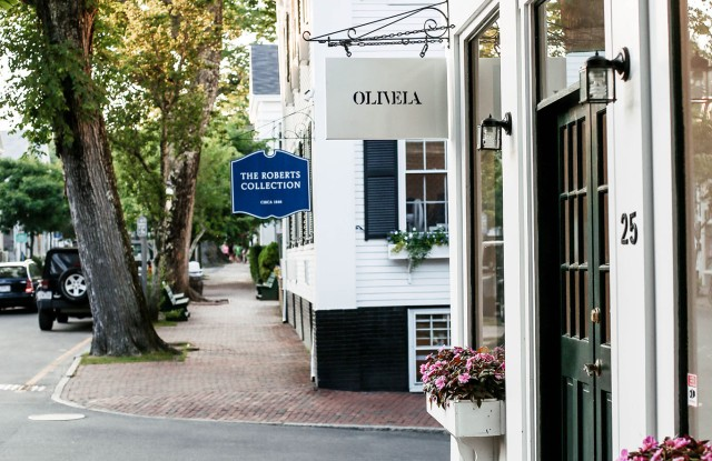 Olivela's Nantucket, Mass. pop=up shop introduces consumers to the brand and its philanthropic mission.
