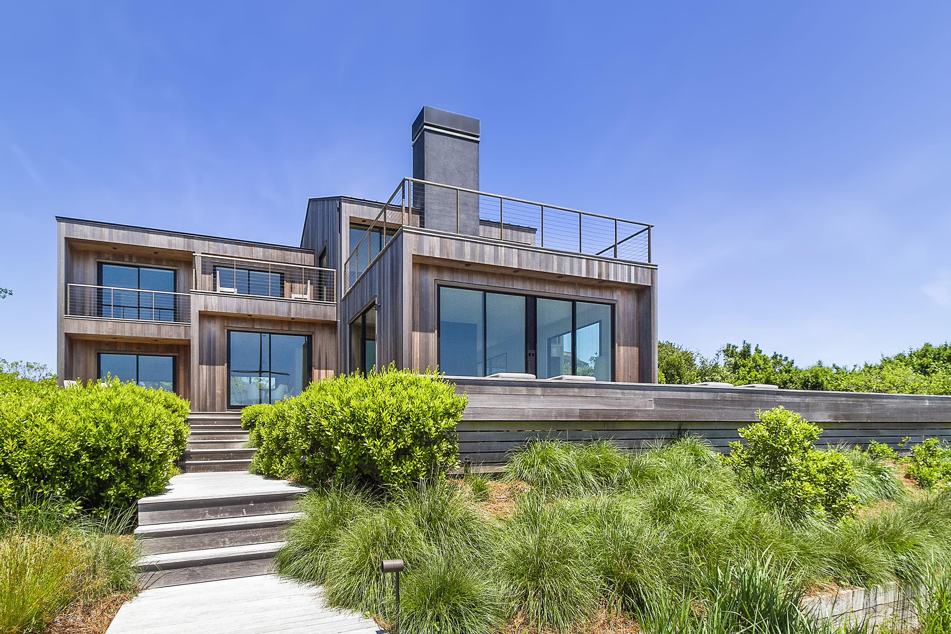 Tomas Maier Lists $21M Montauk Mansion