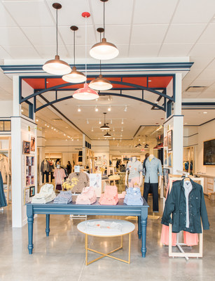 Shoppers in the New York area can find Lands' End's classic apparel for men, women and kids at the new store in Staten Island. (PRNewsfoto/Lands' End, Inc.)