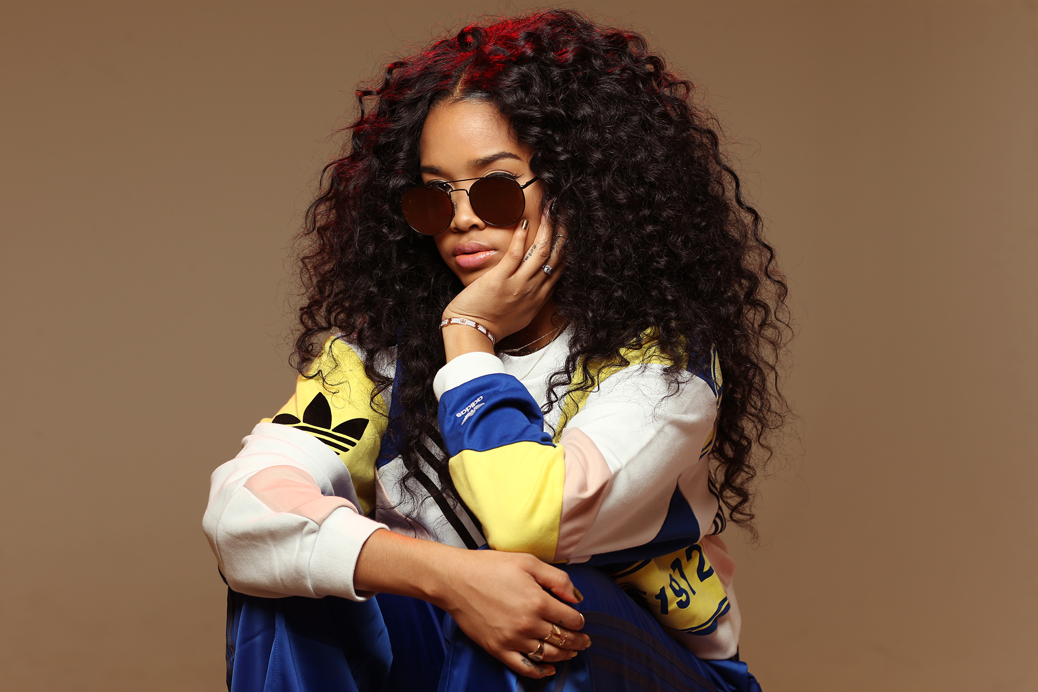 H.E.R. Finally Reveals All — but Not How You'd Expect – WWD