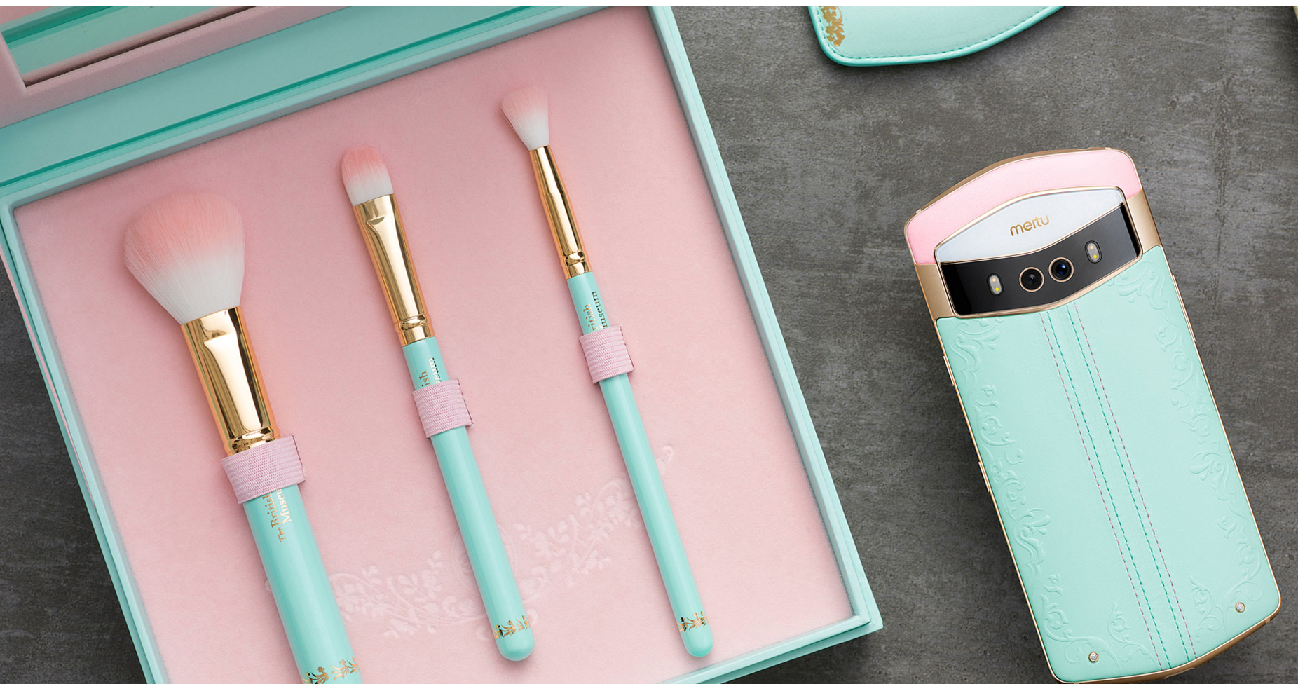 A Meitu V6 phone model, which is sold with a set of makeup brushes.