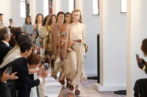 Models on the catwalkChloe show, Runway, Spring Summer 2019, Paris Fashion Week, France - 27 Sep 2018