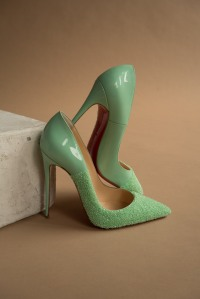 A pair of heels from the capsule.