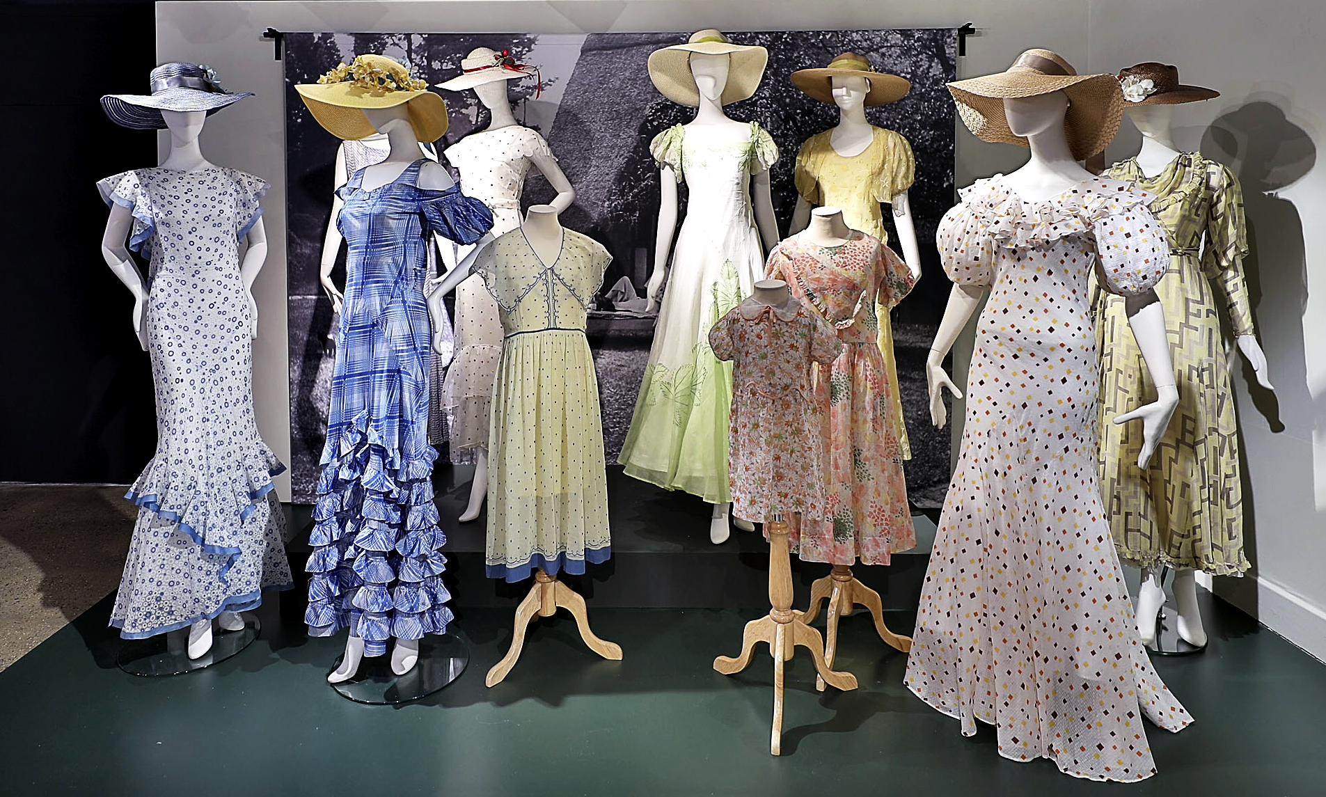 Night & Day: 1930s Fashion and Photographs, at the Fashion and Textile Museum, London, until 20 January 2019