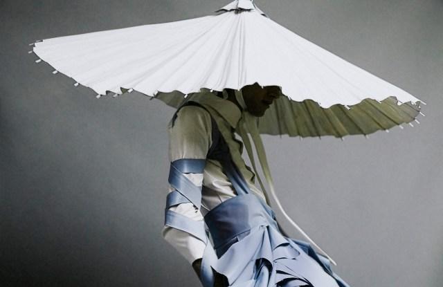 """Alessandro Trincone, """"Annodami"""" Alessandro Trincone (Italian, born in 1991) Italian, Spring/Summer 2017 *Photograph by Gioconda & August *Model: Andrea Antonelli *Courtesy, Museum of Fine Arts, Boston"""