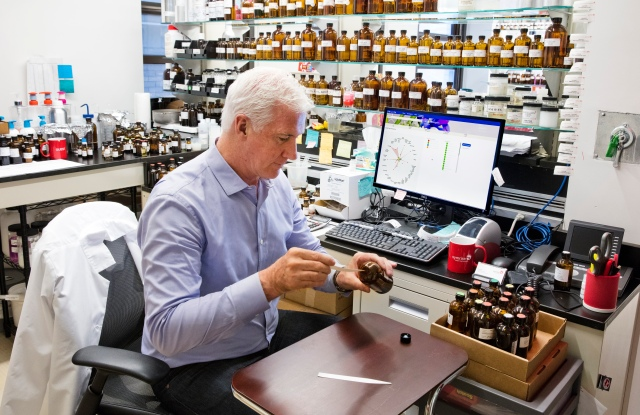 Perfumer David Apel working with Philyra.