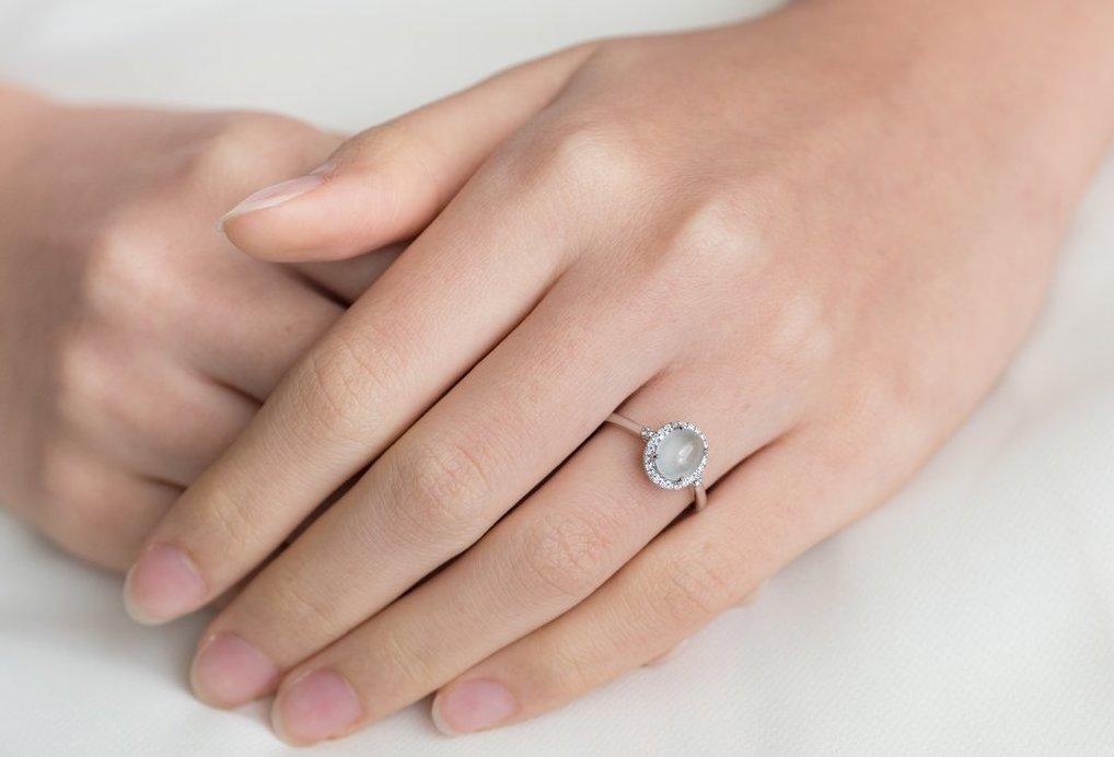 A Chooyi Lin engagement ring.