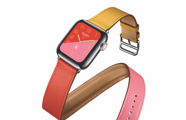 Apple Watch with Hermés' Swift Leather Double Tour.