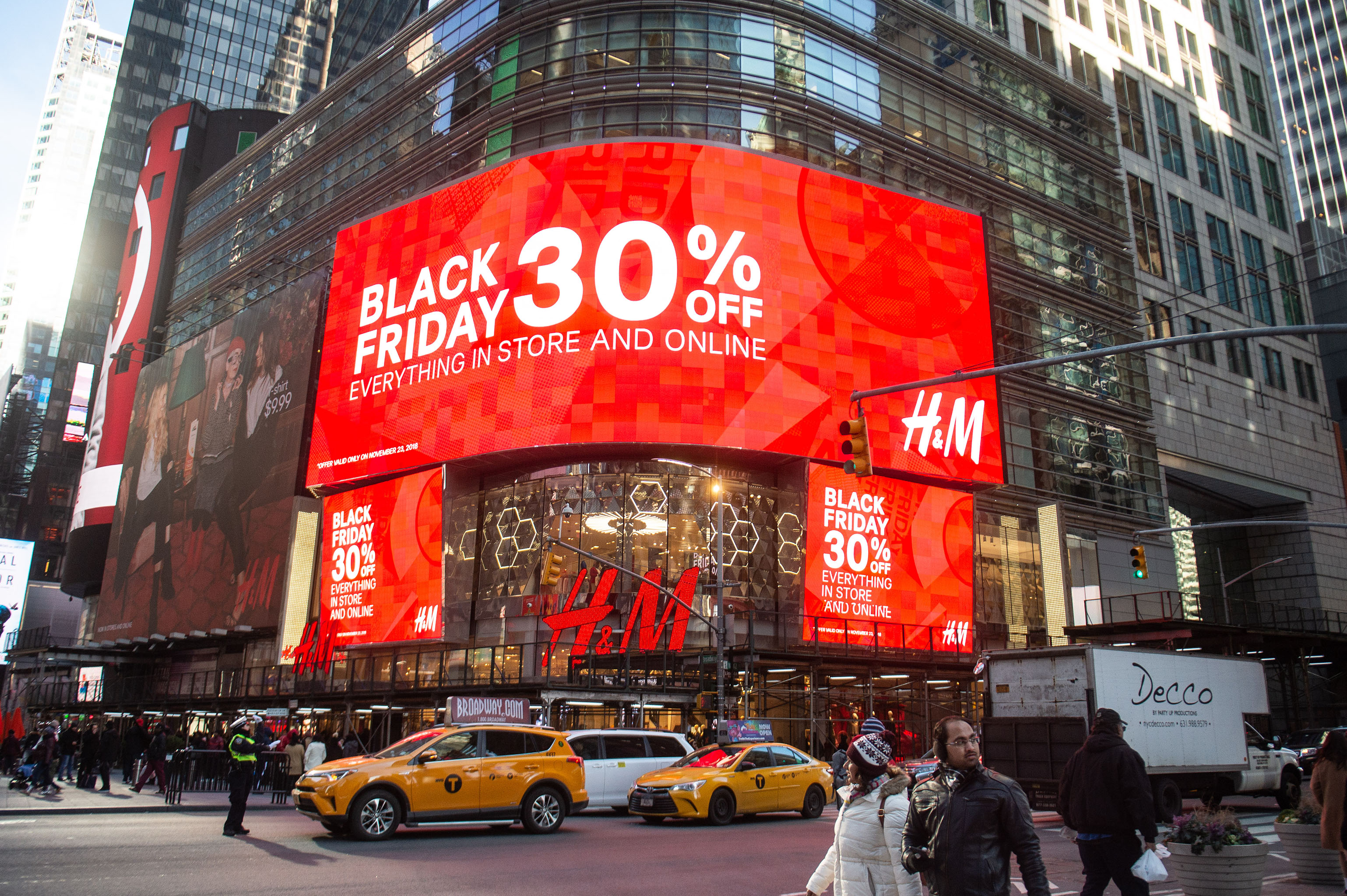 Black Friday 2019 7 Stores Giving Back Where To Shop And Donate Wwd