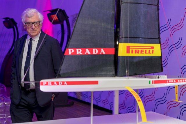 پاتریزیو برتلی و مدلی از Luna Rossa AC75 جدید