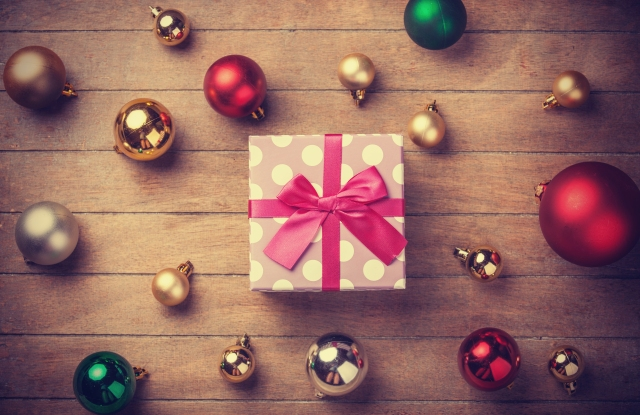 Retailers can grab more holiday dollars via different messages to four distinct customer groups.
