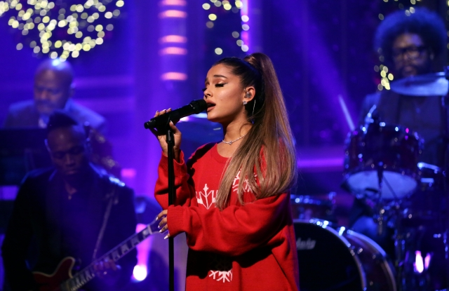 THE TONIGHT SHOW STARRING JIMMY FALLON -- Episode 0984 -- Pictured: Musical guest Ariana Grande performs with The Roots on December 18, 2018 -- (Photo by: Andrew Lipovsky/NBC/NBCU Photobank)