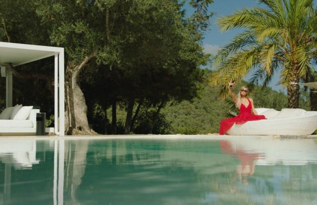 Paris Hilton on the set of THE AMERICAN MEME © Bert Marcus Productions, LLC