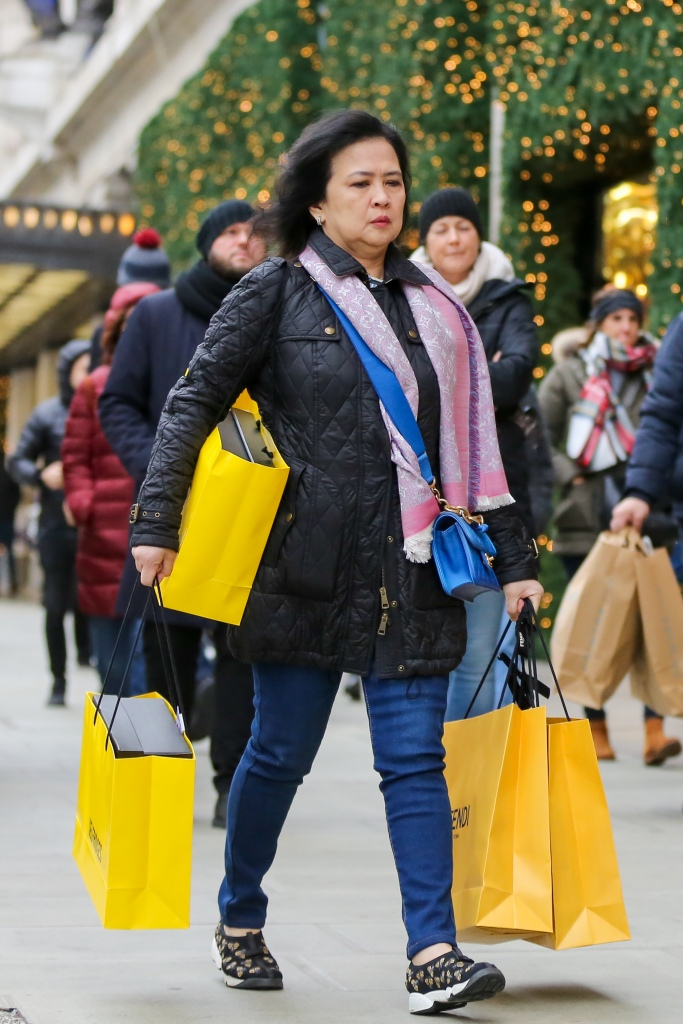 Shoppers on London's Oxford Street with 9 days to Christmas Day. Retailers are expecting a rush of shoppers in the lead-up to Christmas.Christmas shoppers, Oxford Street, London, UK - 15 Dec 2018