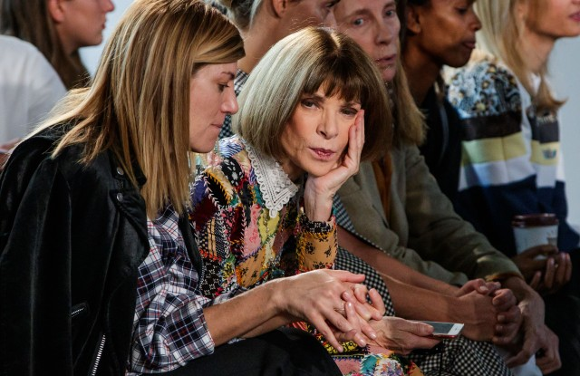 British american journalist Anna Wintour (C) attends the presentation of the Spring/Summer 2019 Women's collection by Spanish fashion house Loewe during the Paris Fashion Week, in Paris, France, 28 September 2018. The presentation of the Women's collections runs from 24 September to 02 October.Loewe - Guests - Paris Fashion Week S/S 2019, France - 28 Sep 2018